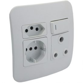 1 x RSA, 1 x RSA V-Slim and 1 x RSA Schuko Socket Outlet 8